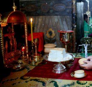 Проскомидия. Трапезный храм Киево-Печерской Лавры.